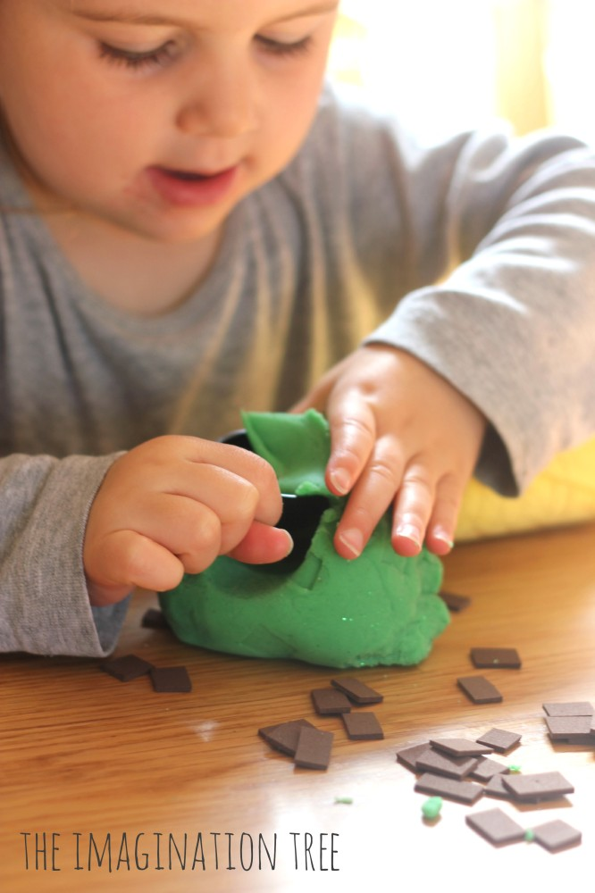 Recipe for mint choc chip play dough