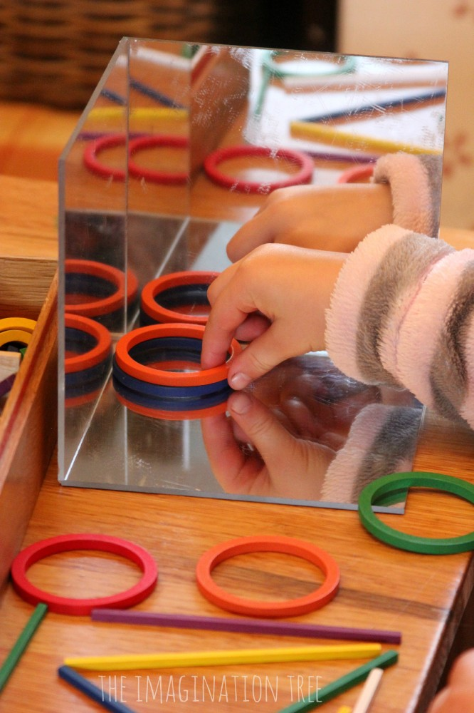 Exploring with loose parts in a mirror cube