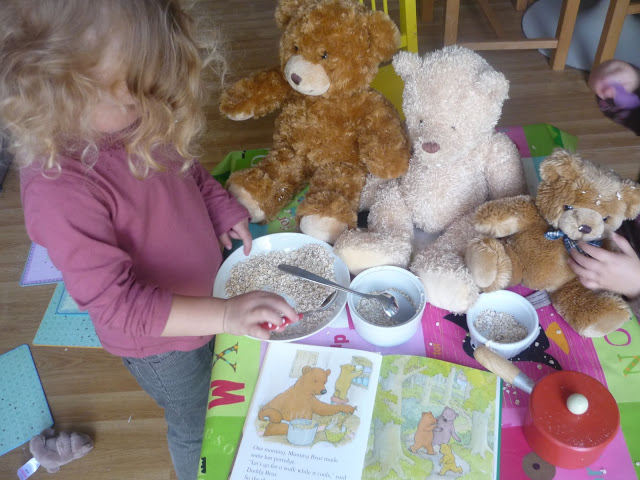 Goldilocks storytelling role play