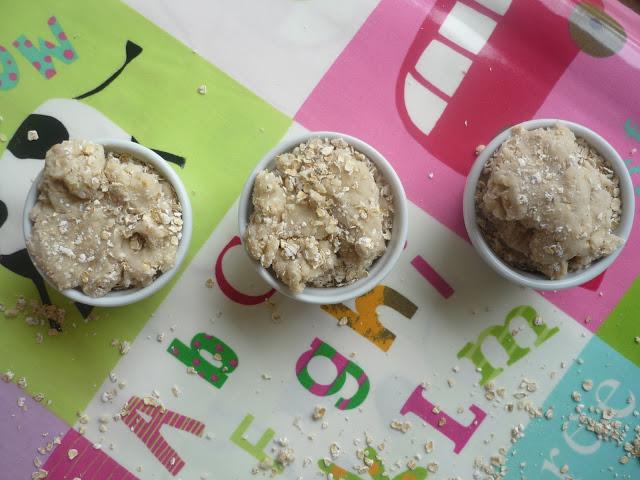 Porridge oats play dough