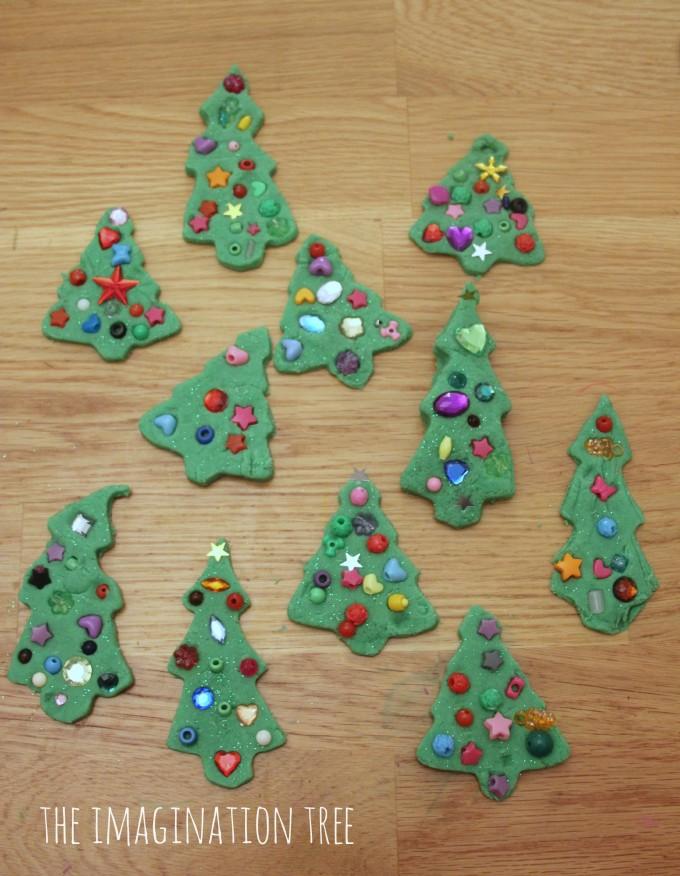 Play dough Christmas tree activity