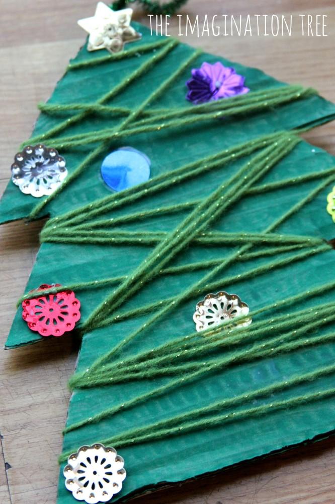Yarn wrap Christmas tree activity