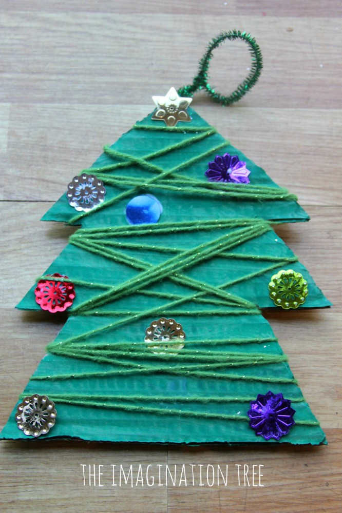 Yarn wrap Christmas tree craft
