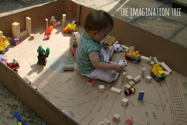 cardboard+box+town+small+world+play