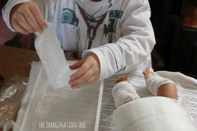 How to make DIY pretend play plaster casts