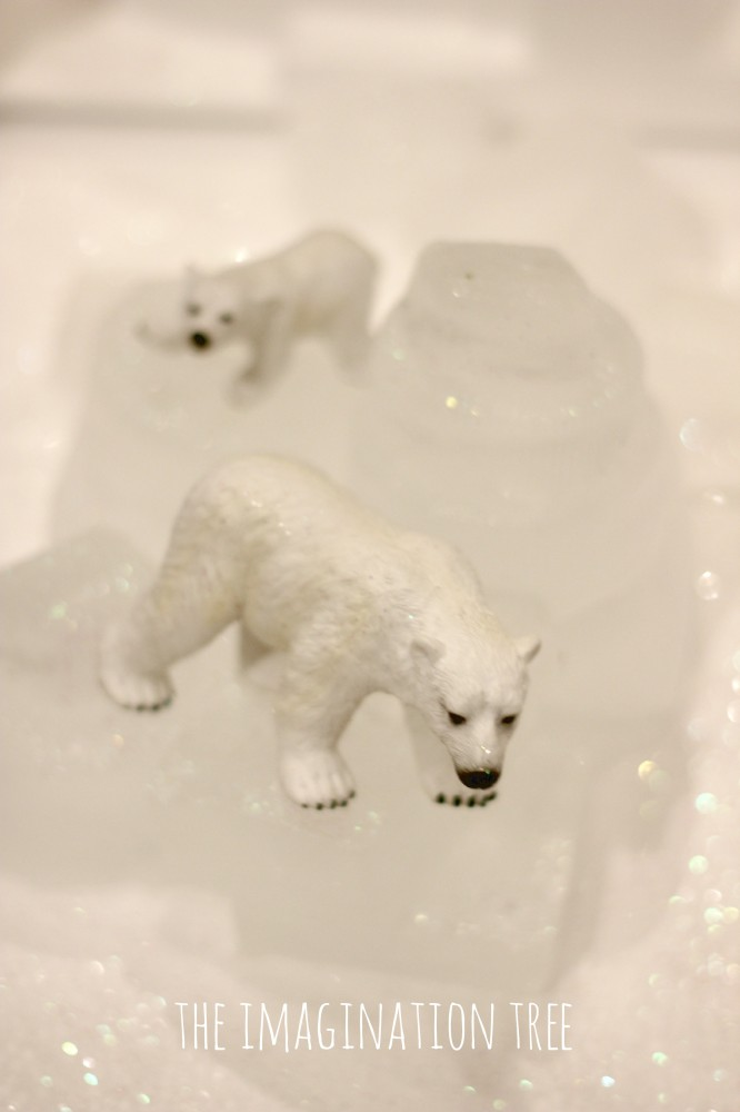 Polar bears and ice blocks activity tray