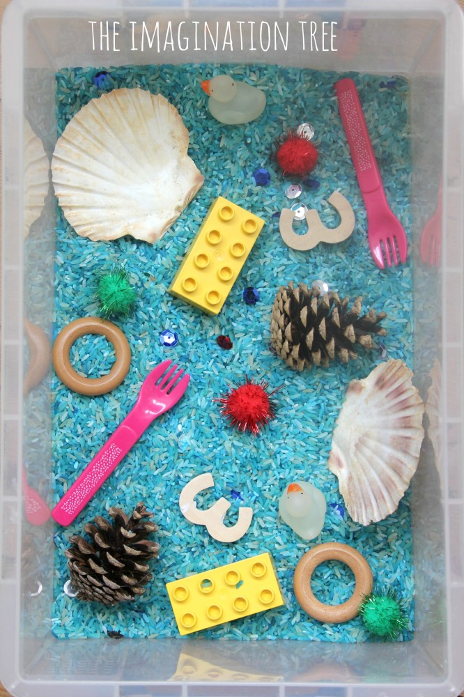Toddler play hide and match objects game