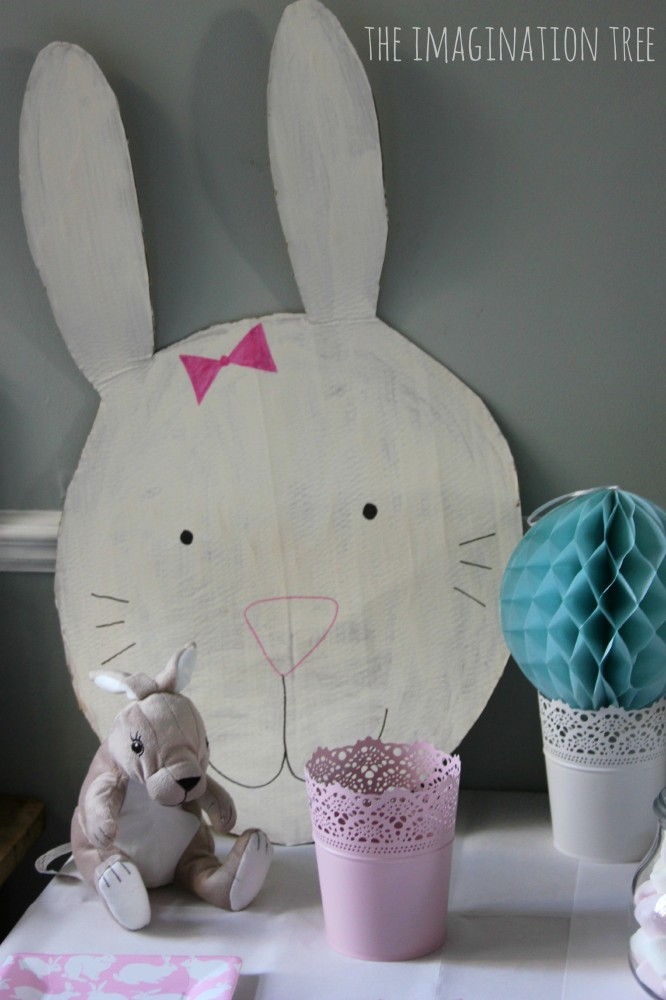 Bunny party decorations