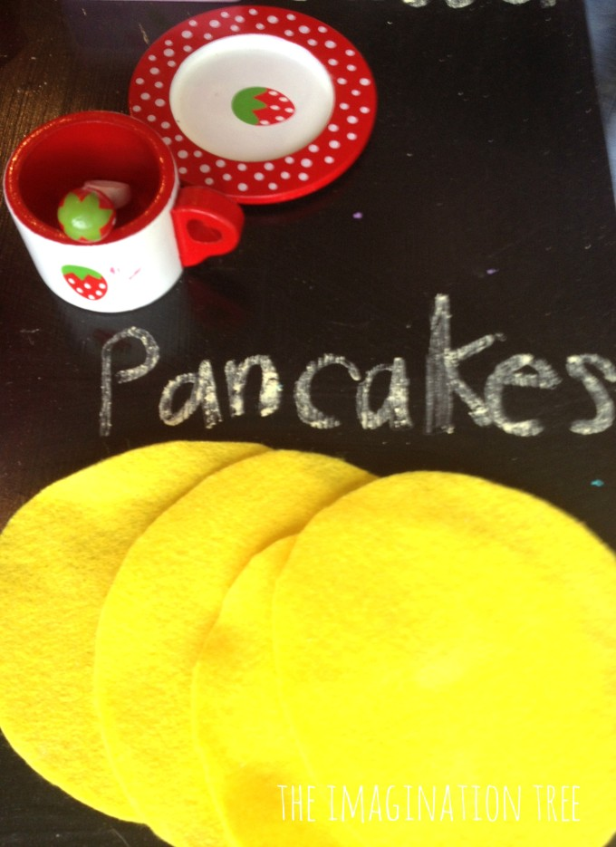 Felt pancakes for imaginative cooking play