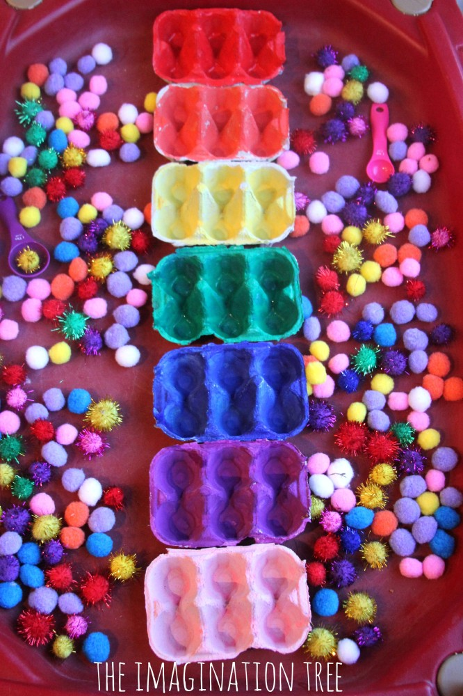 Toddler play activity pom pom colour sorting