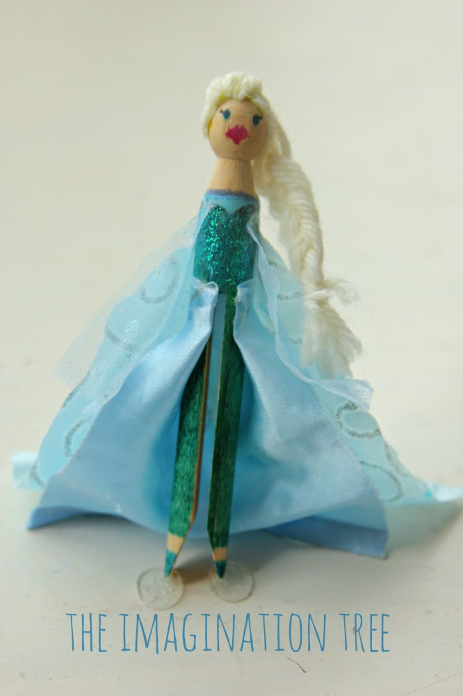 DIY Elsa peg doll