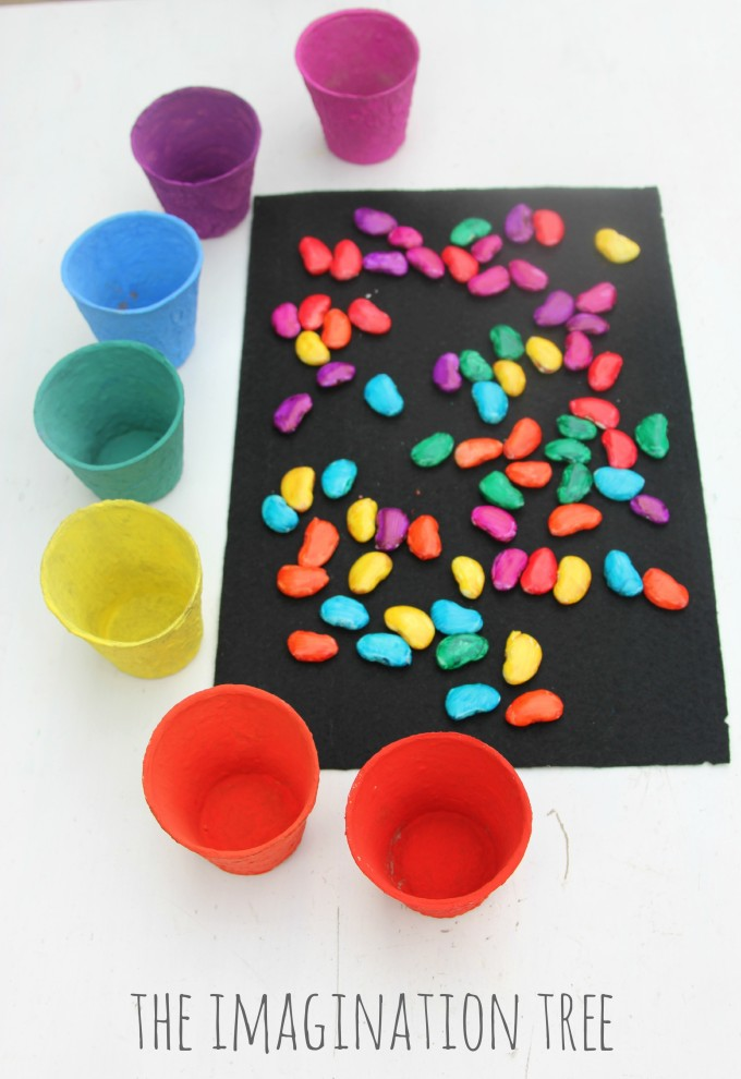 Invitation to count and sort coloured magic beans