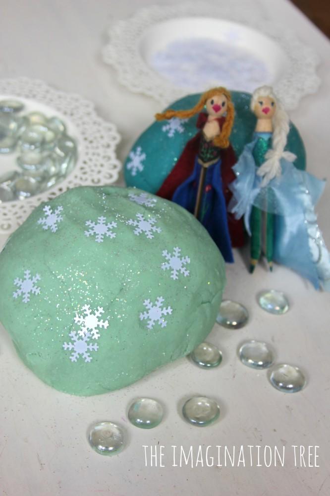 Frozen themed play dough set up