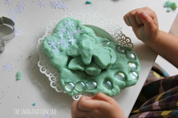 Frozen themed play with play dough