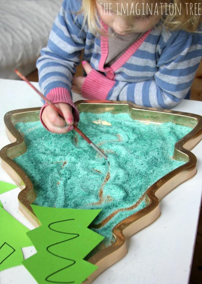 Christmas tree pattern making tray
