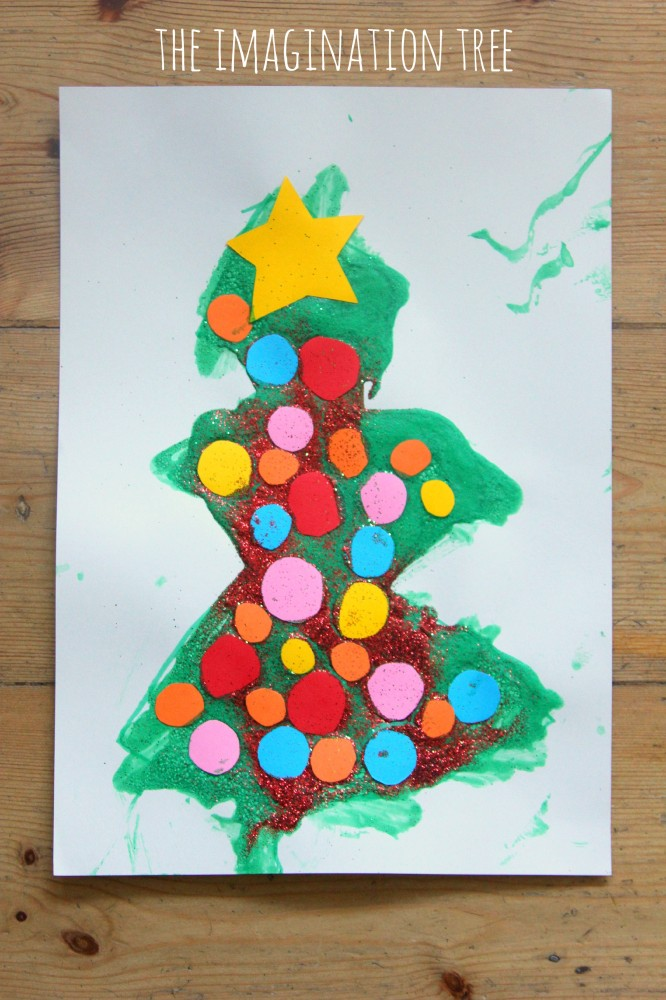 Christmas tree craft with peppermint puffy paint
