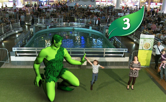 The Green Giant and Colin Jackson!