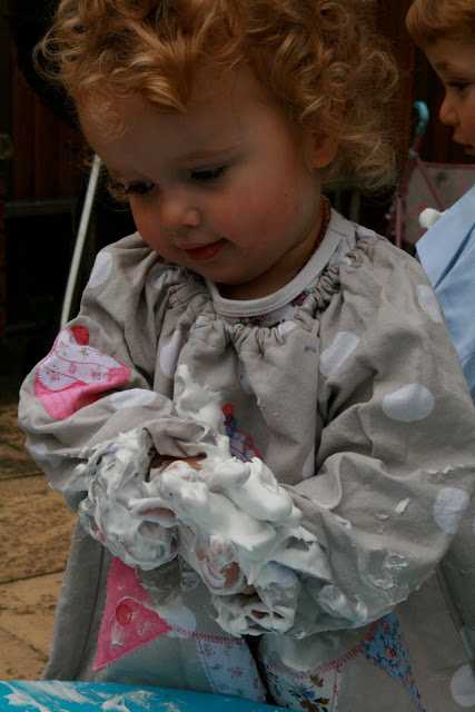 Messy Play – Shaving Foam