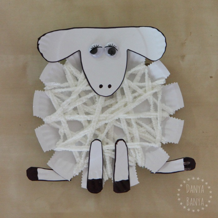 Yarn wrap sheep craft for kids for Cardboard sheep template