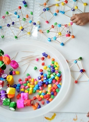 kids building with rainbow marshmallows