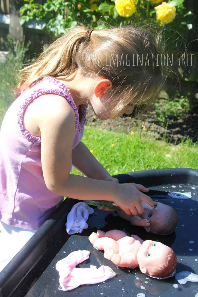 Baby doll wash and dry activity