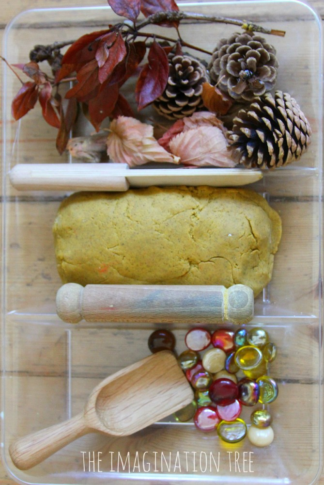 Autumn play dough invitation to play