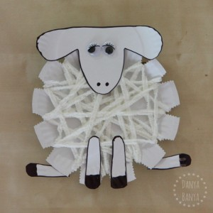 Preschool-woolly-sheep-or-lamb-craft-from-paper-plates6