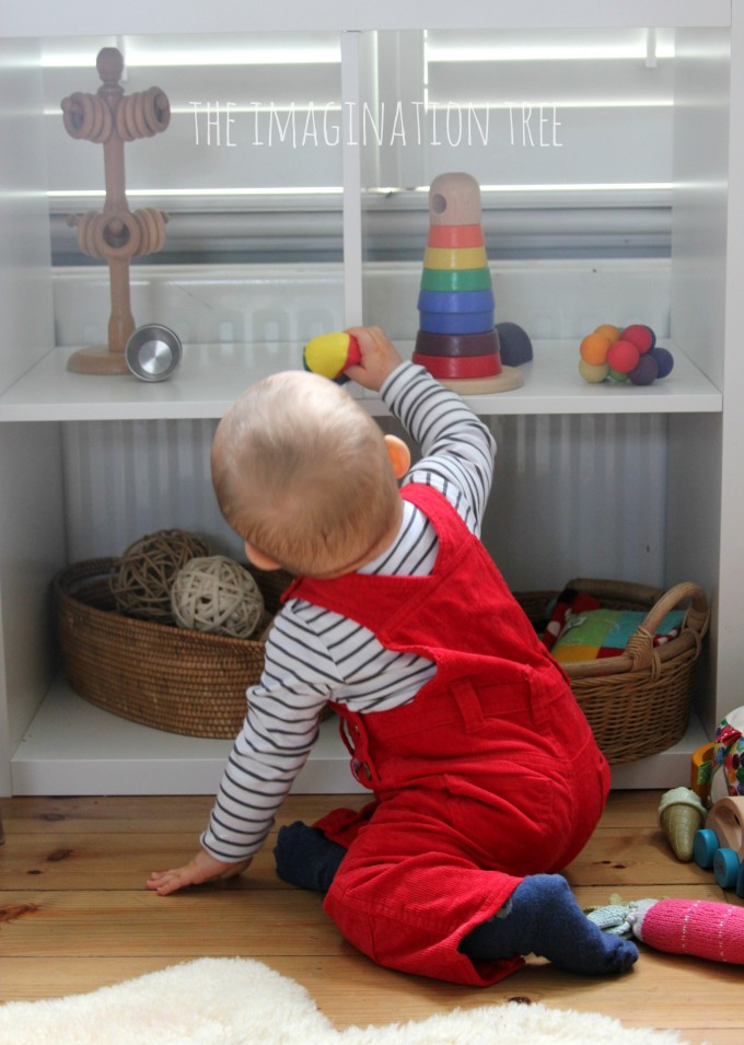 Baby play and learn shelves