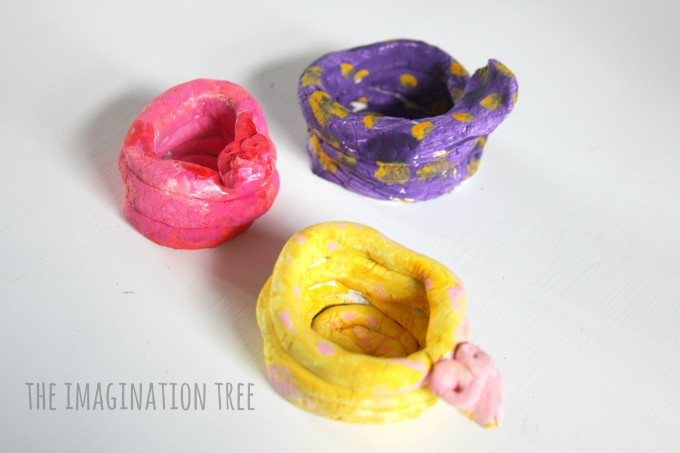 Clay snake coil pots