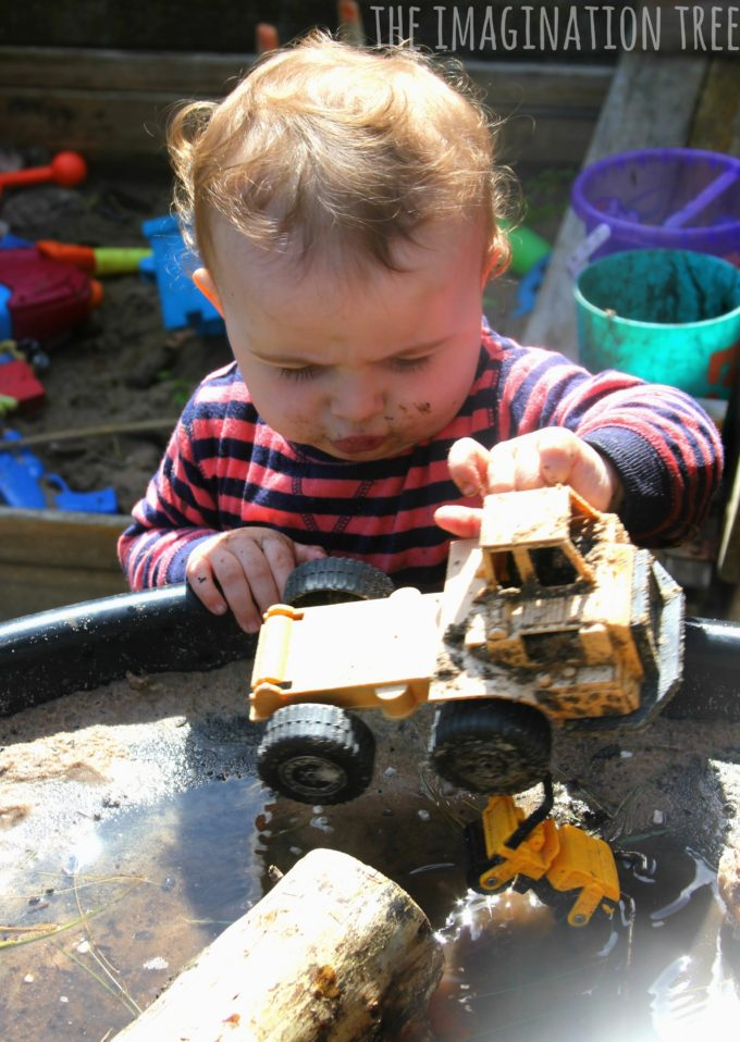 Diggers in the dirt sensory play for preschoolers!