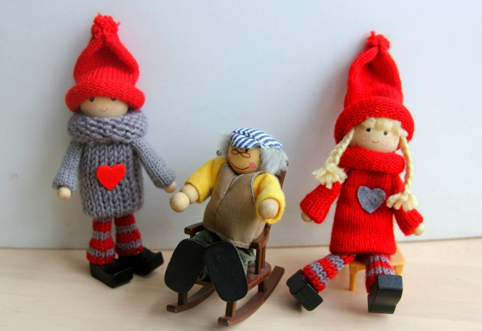 Kindness elves visit the elderly- acts of kindness for kids