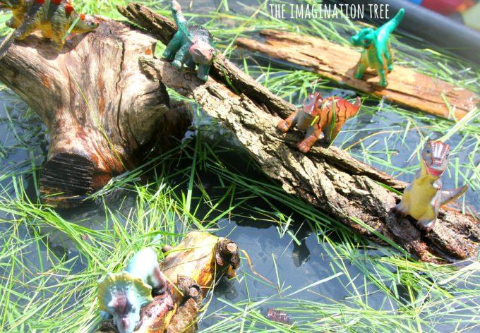 Dinosaur swamp sensory tray play!