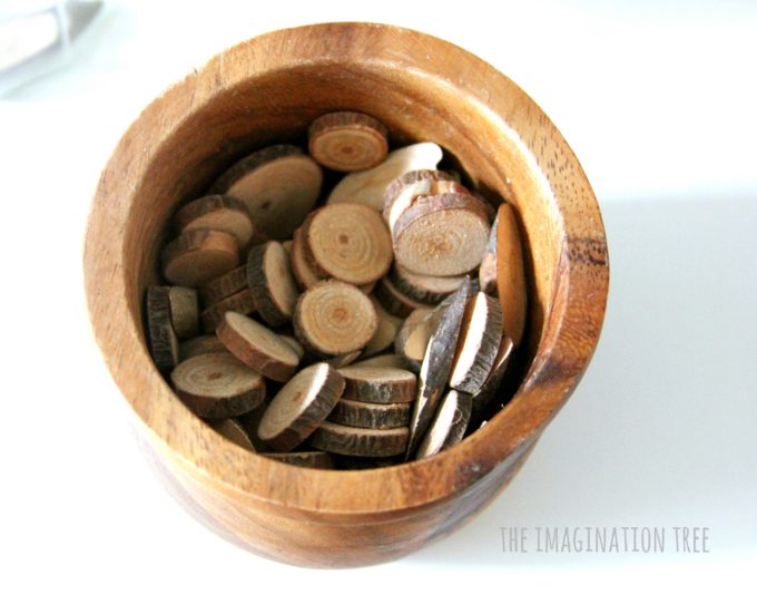 natural-woods-slices-for-counting-and-natural-loose-parts-play