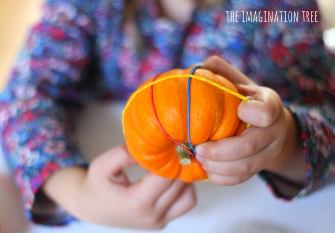 pumpkin-and-rubber-bands-fine-motor-activity