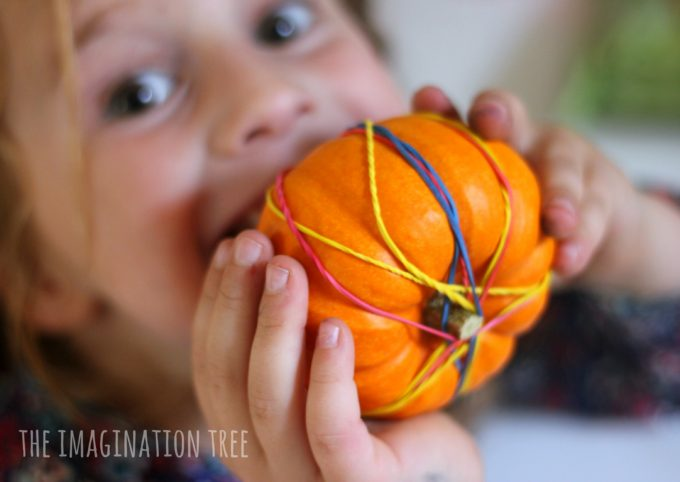 pumpkins-and-rubber-bands-fine-motor-activity-for-autumn