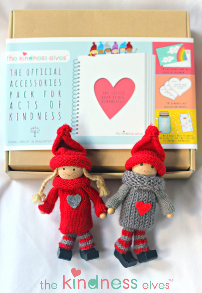 the-kindness-elves-and-accessories-kit
