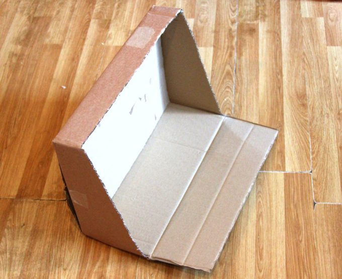 How to make a cardboard box small world play travel kit!